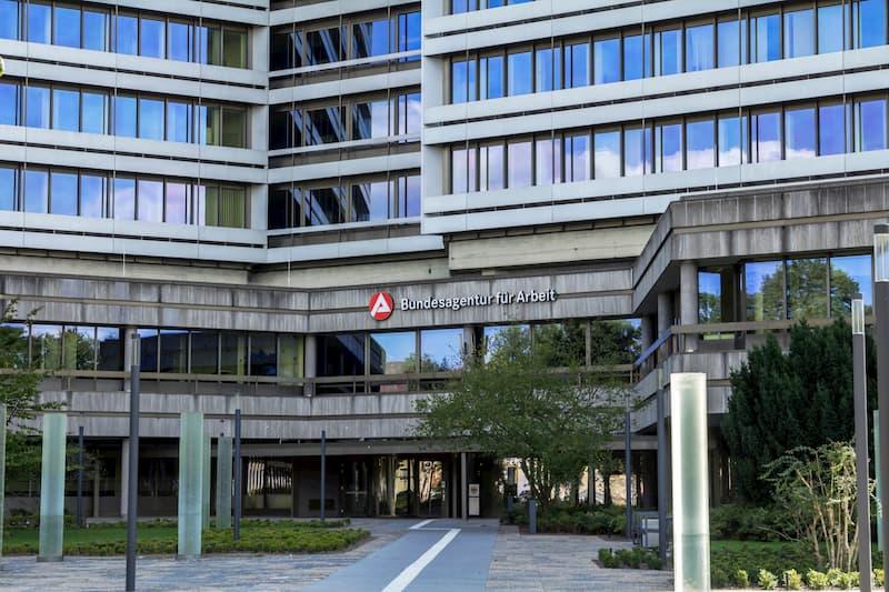Die Arbeitslosenversicherung ist Teil der Sozialversicherung. Zu sehen ist das Gebäude der BA für Arbeit in Nürnberg