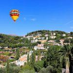 Eine Flug mit dem Heißluftballon in Frankreich ist mit dem Urlaubsgeld finanzierbar