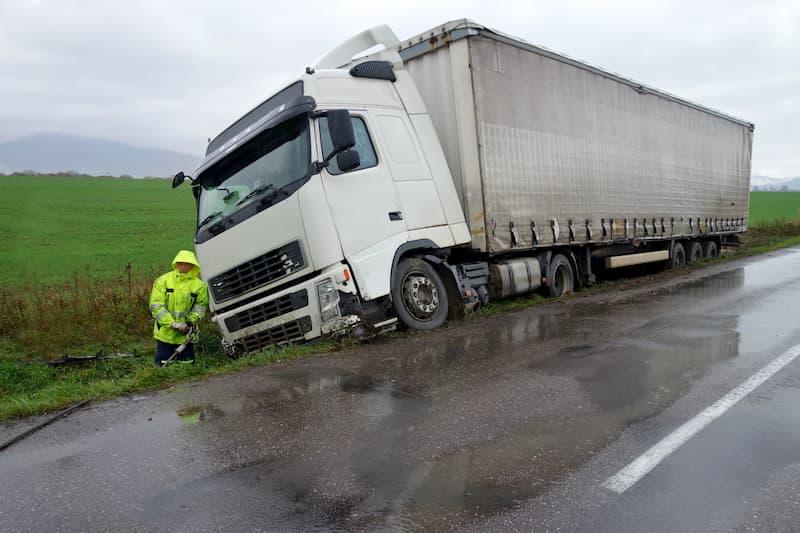 Ist ein Berufskraftfahrer an einem Unfall beteiligt, greift die Arbeitnehmerhaftung