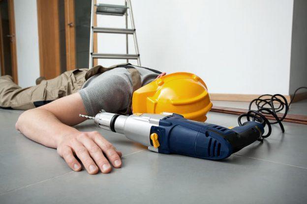 Bei einem Arbeitsunfall sind einige Regeln zu beachten
