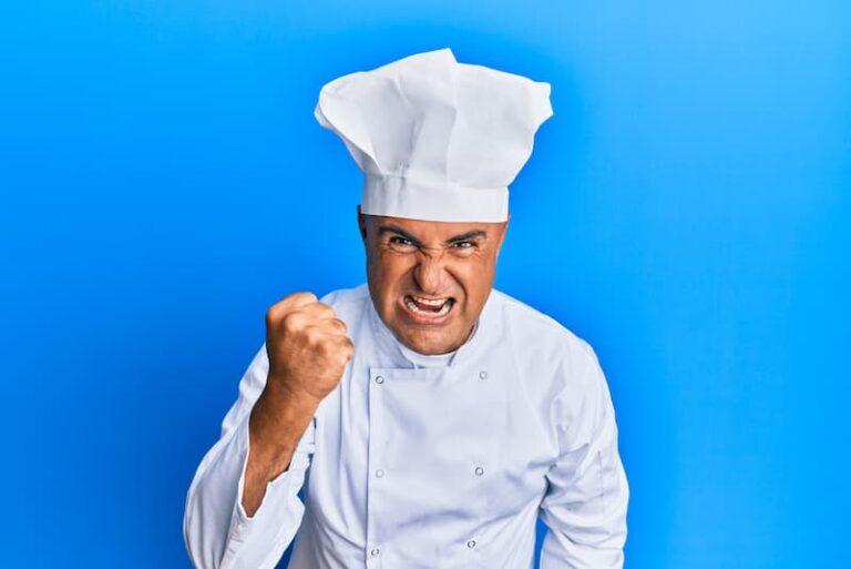 Ein Koch ist Choleriker und guckt böse