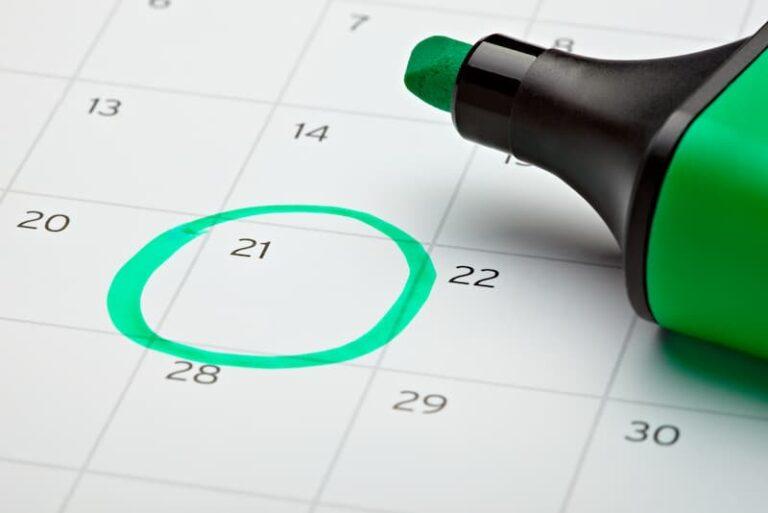 Eine markierte Deadline auf einem Kalender